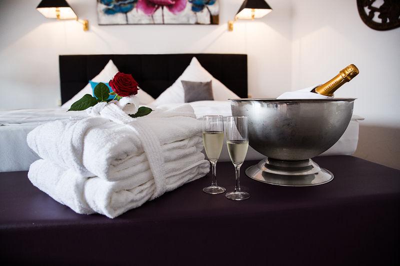 Champagner und Rosen